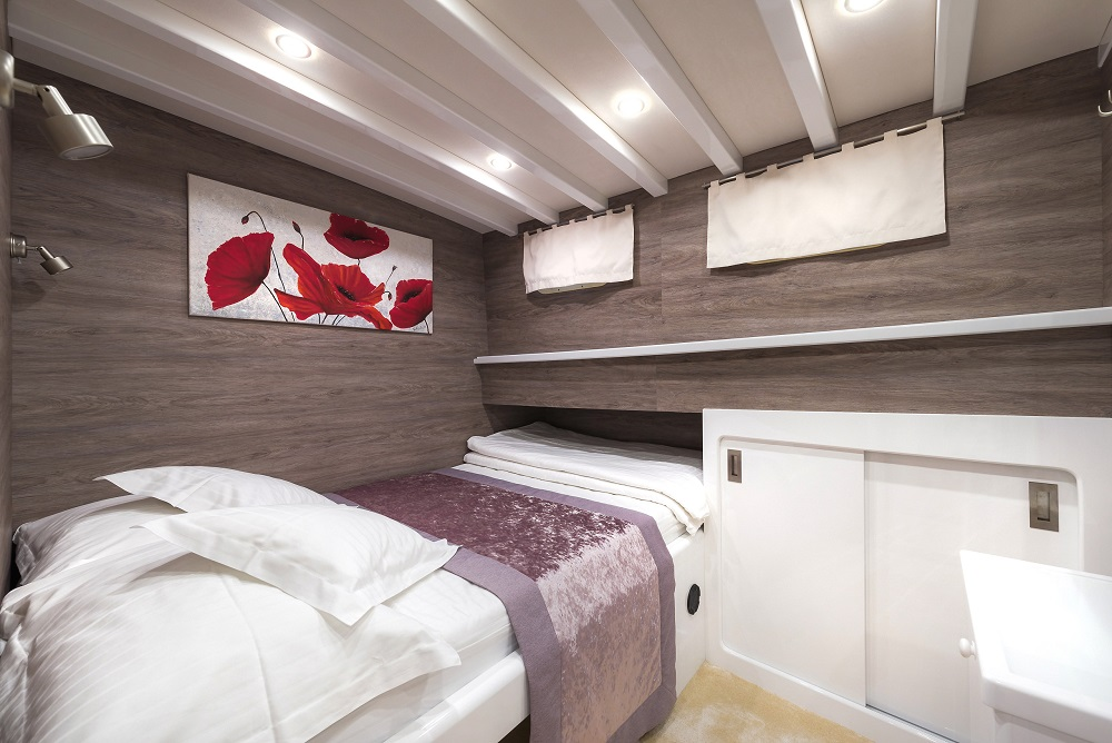 5 double cabins on Andeo