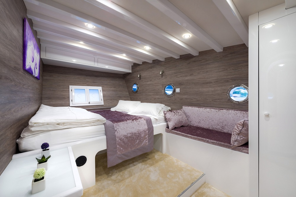 Double cabin (1)
