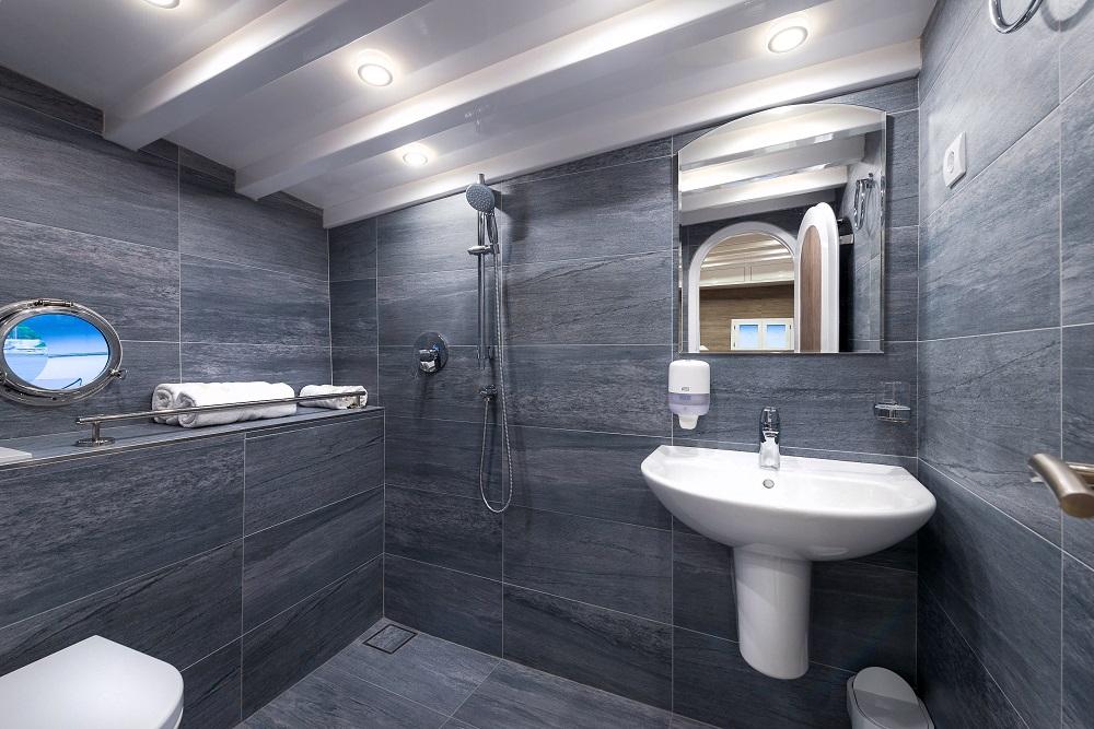 Each cabin has own batroom