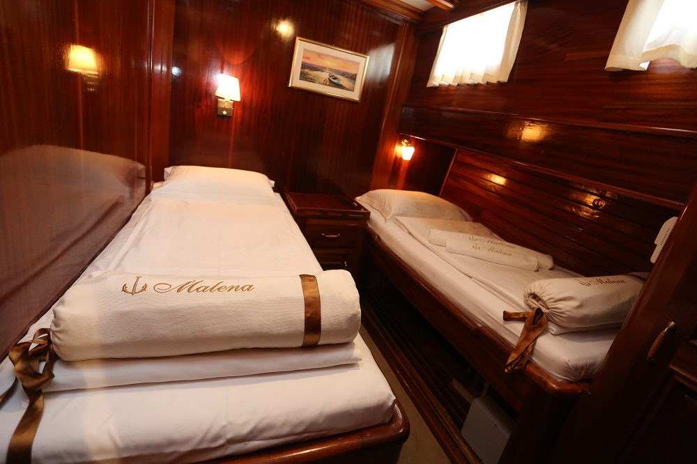 1 Twin bed cabinon Malena