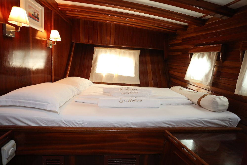 4 double cabins on Malena