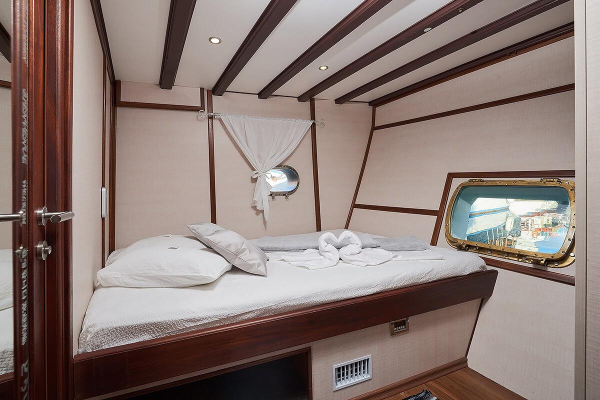 Double cabin Nautilus