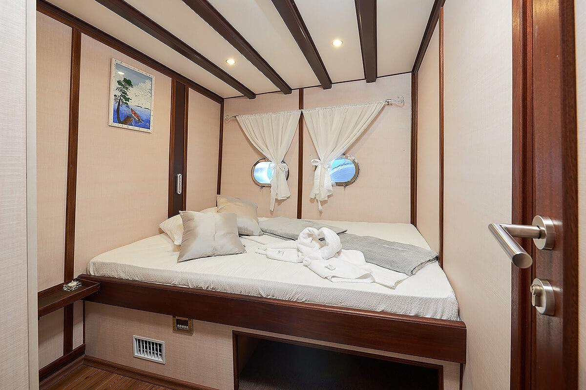 Nautilus Double Cabin