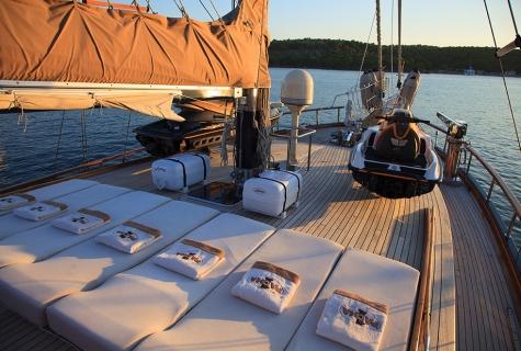 Gulet Pascha sun deck (1)