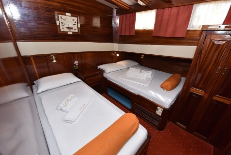 Twin Cabin on Perla
