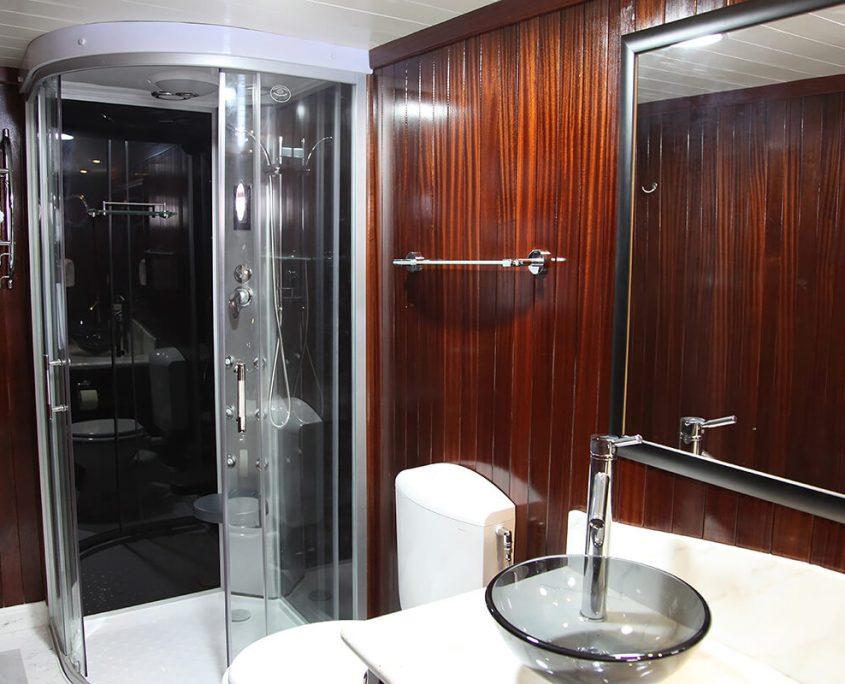 Cesarica Bathroom