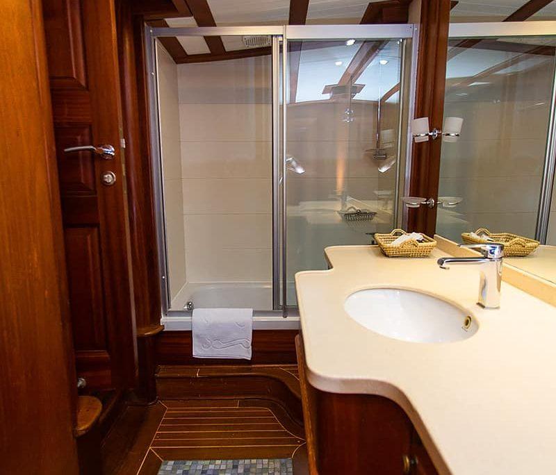 DOLCE VITA Bathroom