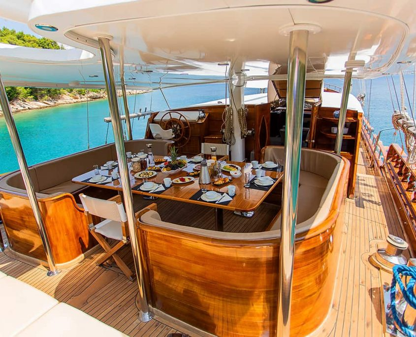 DOLCE VITA Dining area on Aft deck