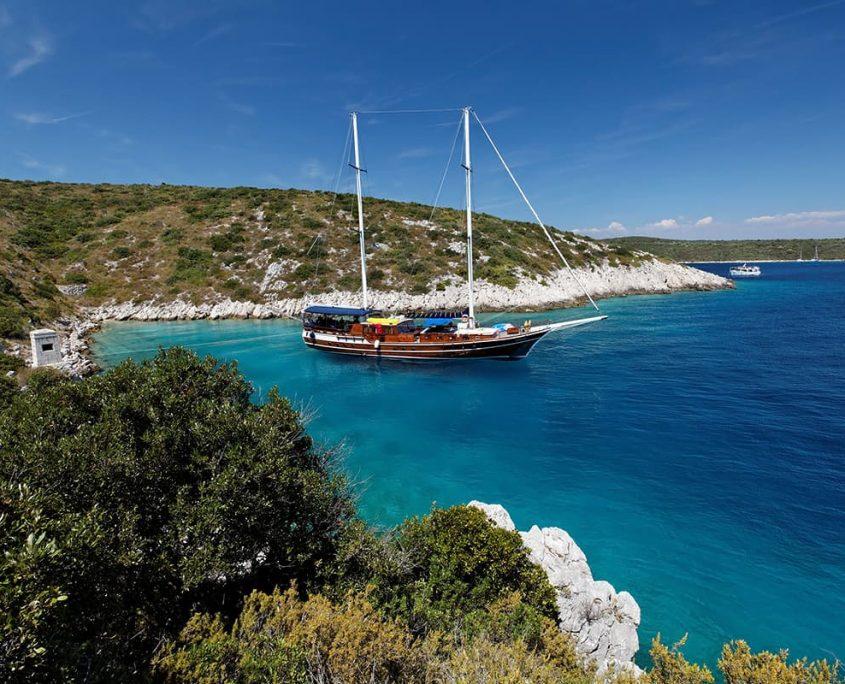 Gulet Perla anchored