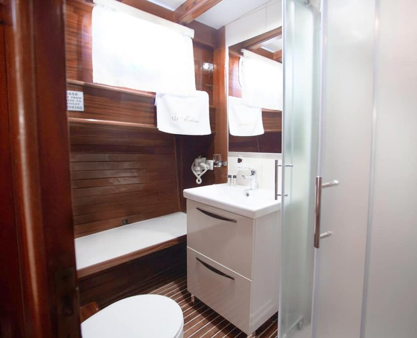 MALENA Bathroom
