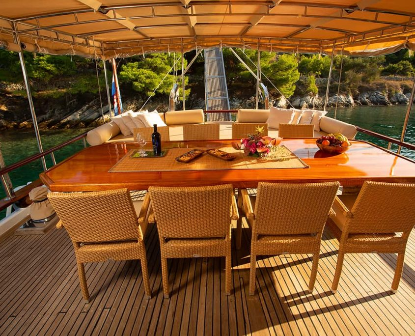 MALENA Dining area on Aft deck