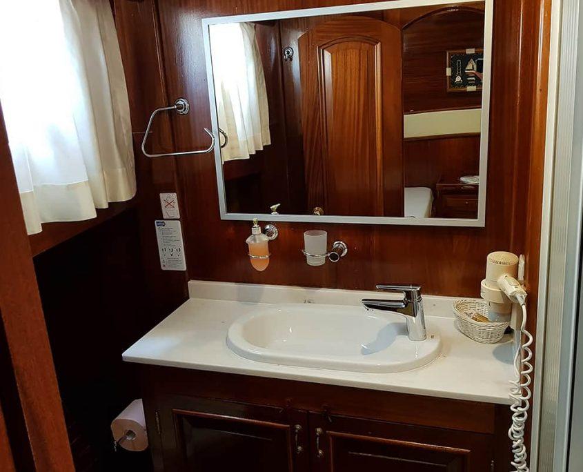 PERLA Bathroom
