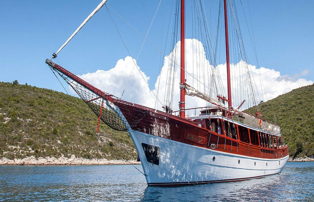Gulet Romanca anchor