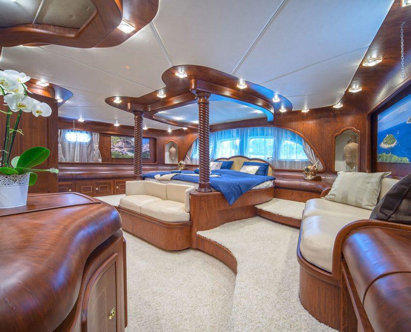Alba Master Cabin