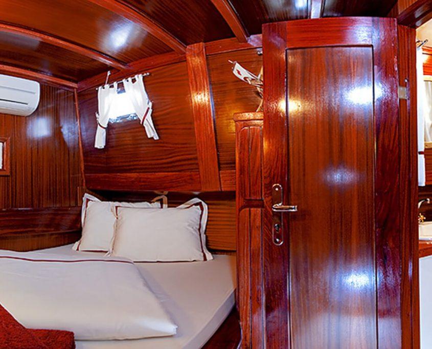 Double Cabin