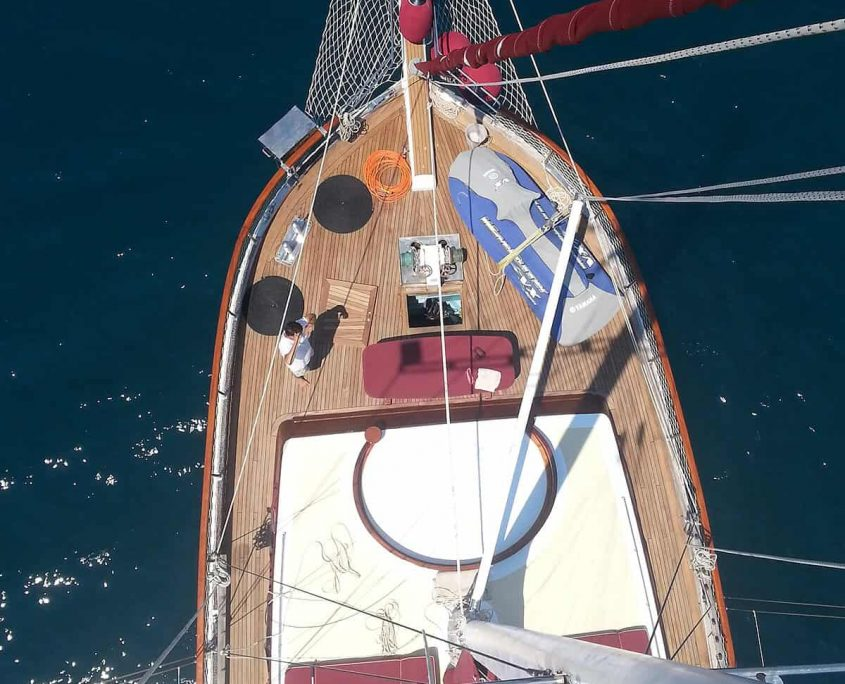 Foredeck from Mast