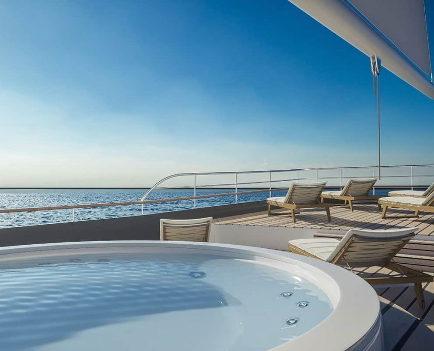 CORSARIO Jacuzzi on the flybridge