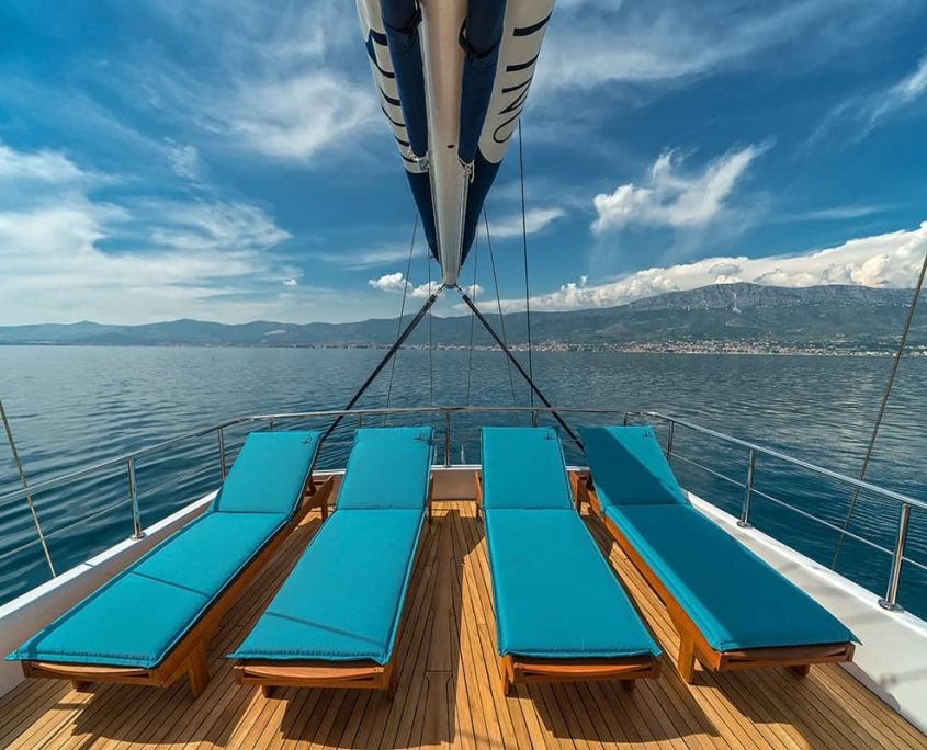 MASKE Sun loungers on flybridge