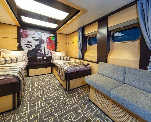 NAVILUX Twin Cabin