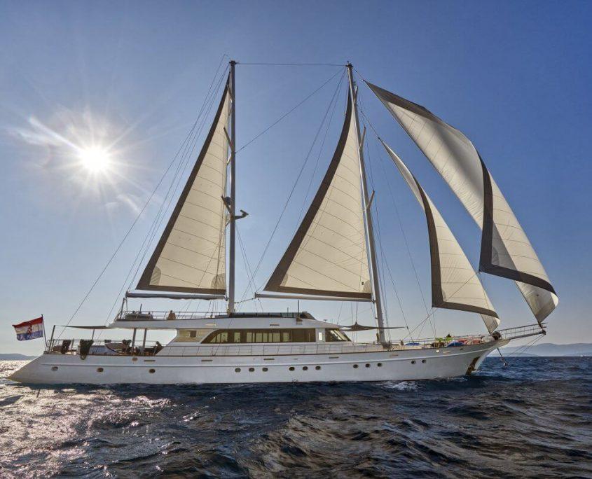 Amazing yacht Lady Gita