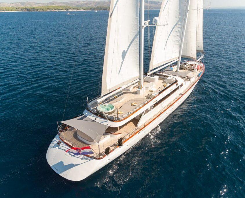 Lady Gita sails