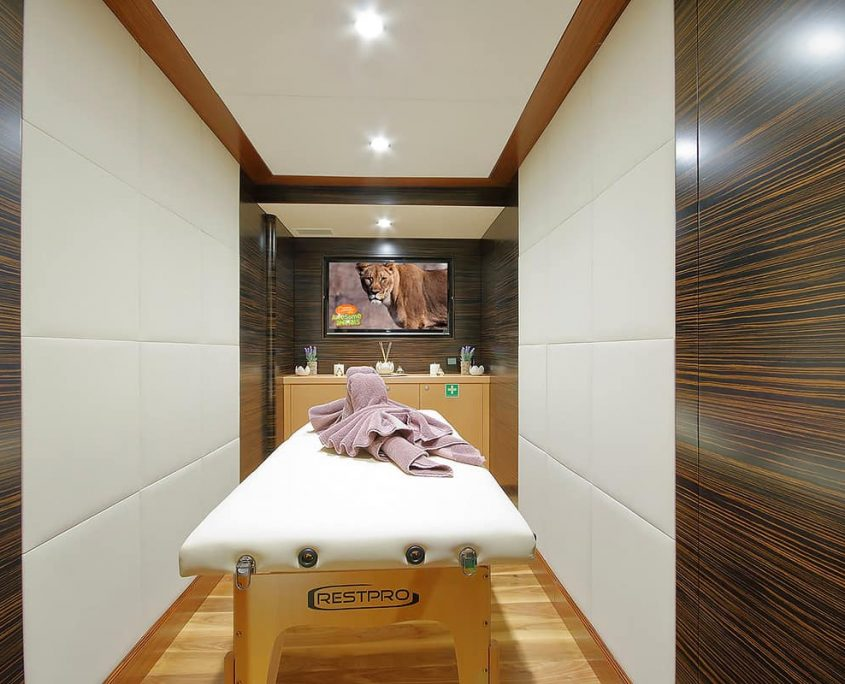 MEIRA Massage room