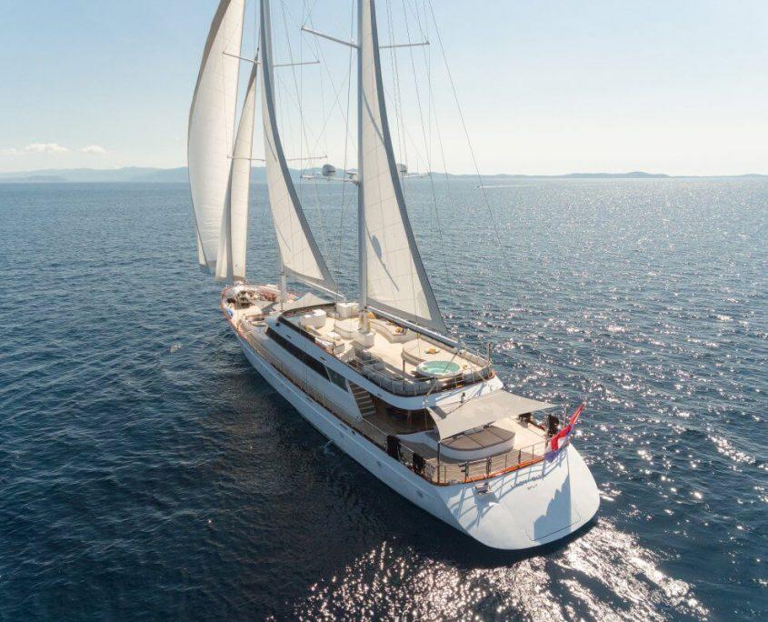 Sailing on Lady Gita